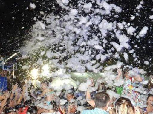 En este momento estás viendo Alquiler Fiesta de la Espuma en LA ALCORAYA