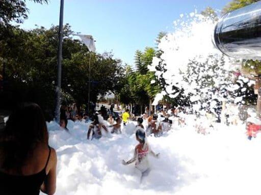 En este momento estás viendo Alquiler Fiesta de la Espuma en CASAS DE IBAÑEZ